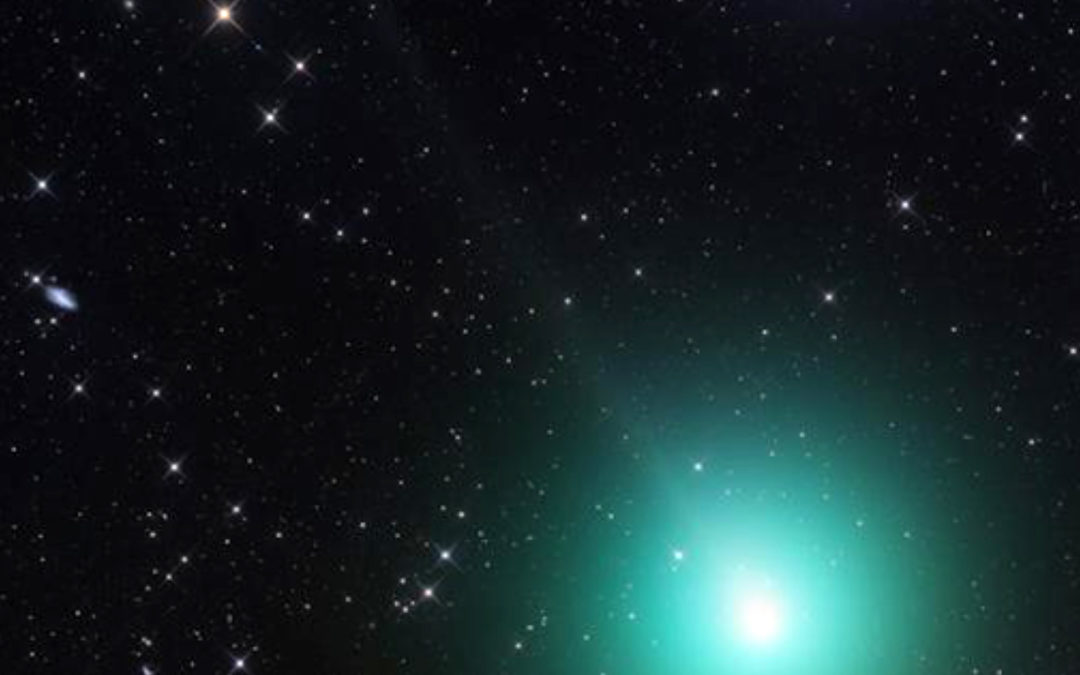 Un cometa con alta actividad se acerca a la Tierra
